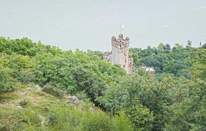 Burg-Sooneck-from-above