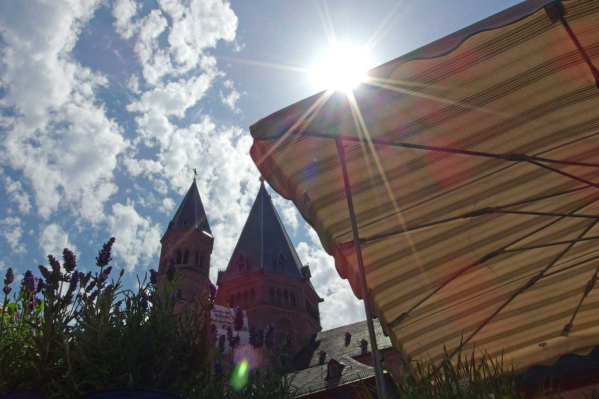 The dome watches over the farmer's market in Mainz, Germany