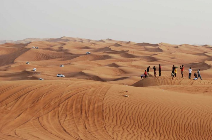 Dune-Bashing-Dubai-Mass-Tourism-in-the-desert