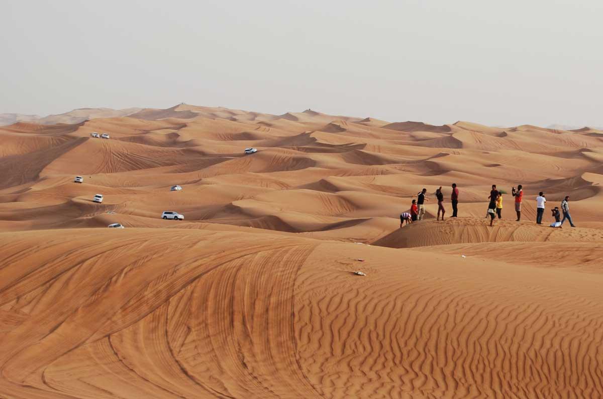 how to visit the desert in dubai