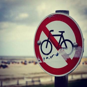 Keine Fahrräder am Strand