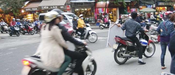 Vietnam-trave-tips-traffic