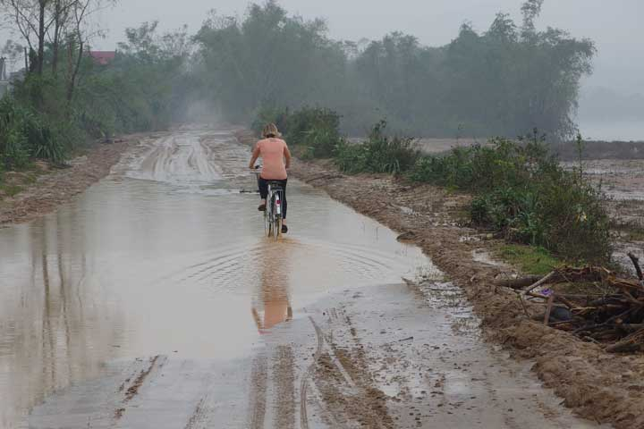 Son-Trach-Vietnam-Muddy-Streets