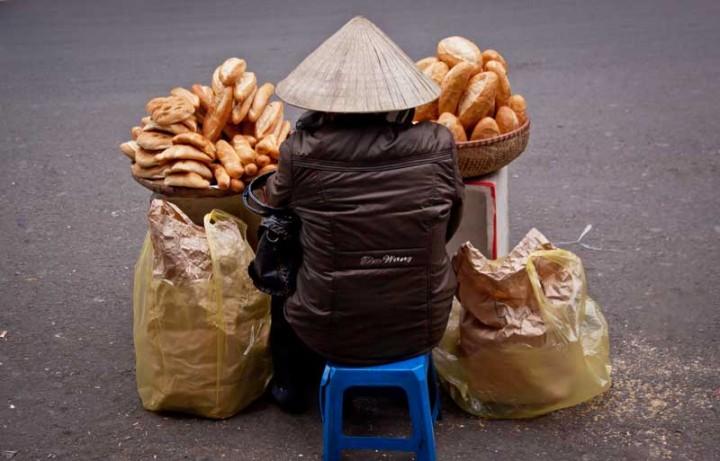 Vietnam-Reisen-Baguette-Verkäuferin