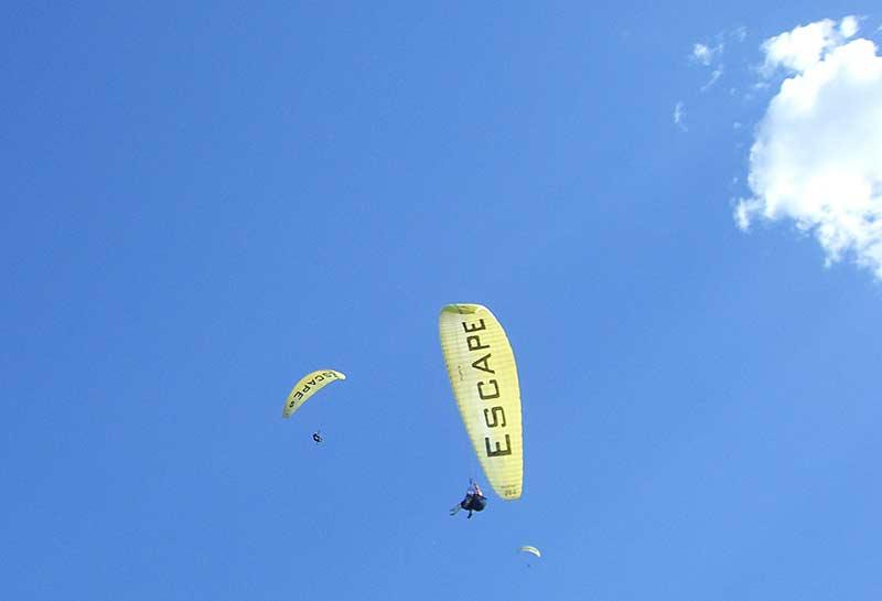 Ölüdeniz Paragliding-in-Ölüdeniz-am-Babadag-Türkei-Paraglider-in-der-Luft
