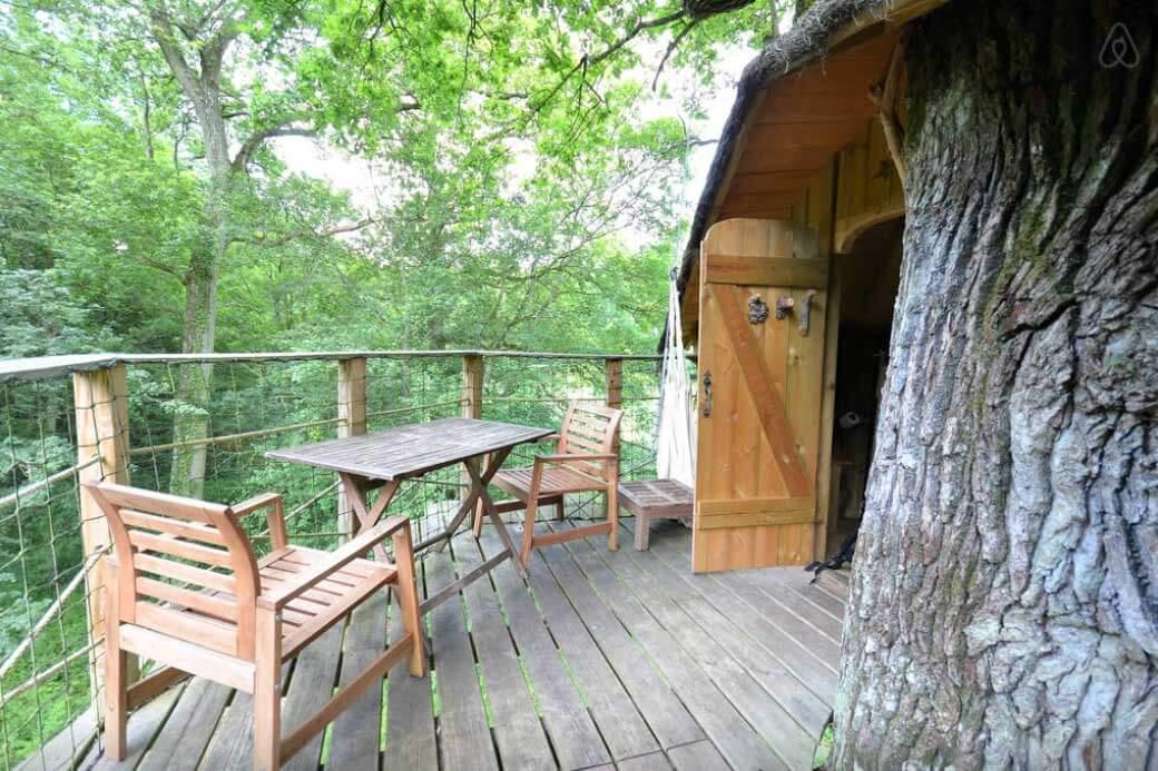 Baumhaus Frankreich besondere airbnb unterkünfte in europa baumhaus frankreich terrasse