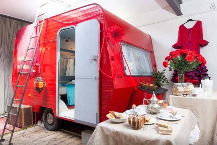 Besondere-Airbnb-unterkünfte in Europa-Caravan-in-Belgien-Außenansicht