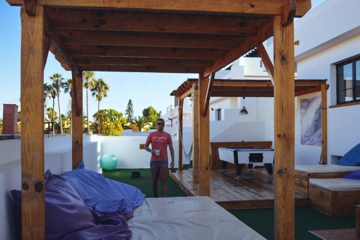 Planet Surfcamps Fuerteventura Corralejo die Terrasse des Surfhauses