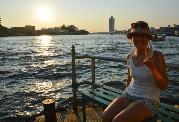 Fahrradfahren in Bangkok Anna am Chao Phraya