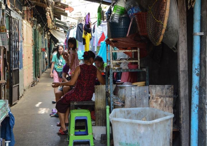 Fahrradfahren in Bangkok Familie in Chinatown
