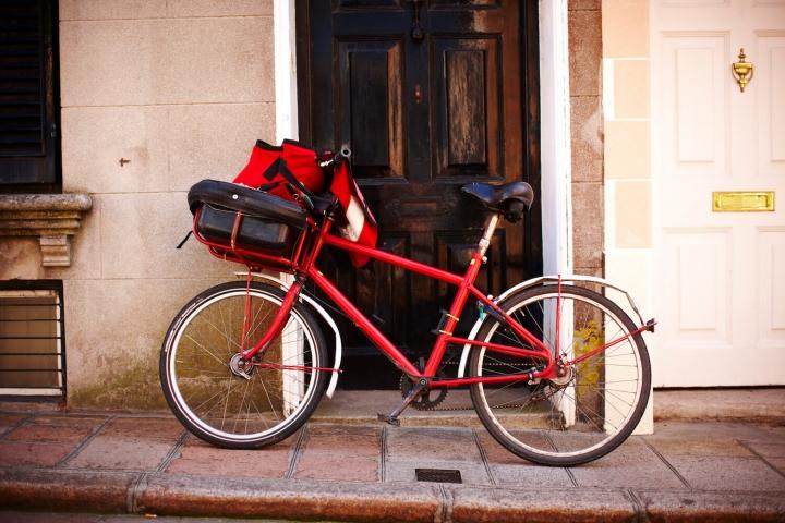 Aktivurlaub auf Jersey Foto Visit Jersey Fahrrad High Street, St Aubin