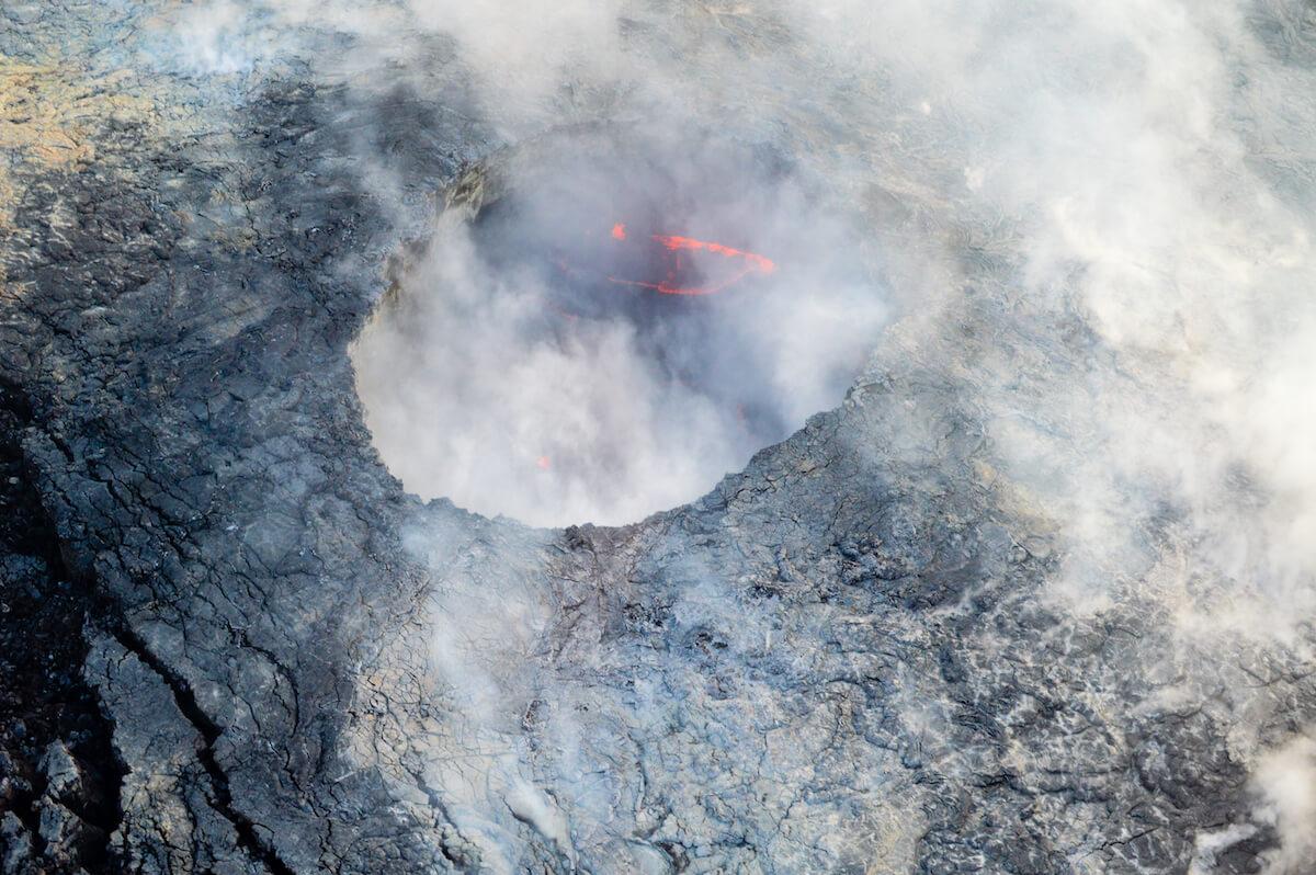 Inselhopping-Guide Hawaii Welche Insel ist die richtige für dich Big Island ein Krater im Volcanos National Park