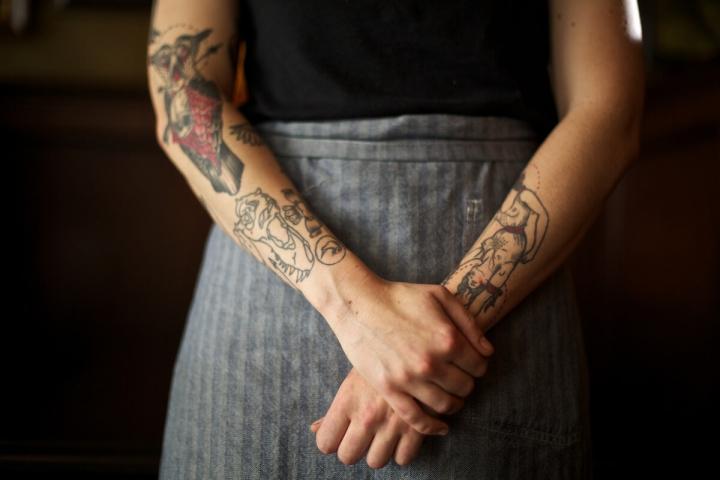 Portland-Tipps Oregon Tätowierter Frauenarm