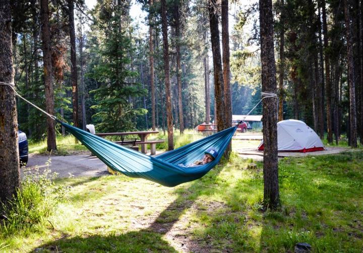 Campingplatz Lake Louise Banff Nationalpark Zelt und Hängematte