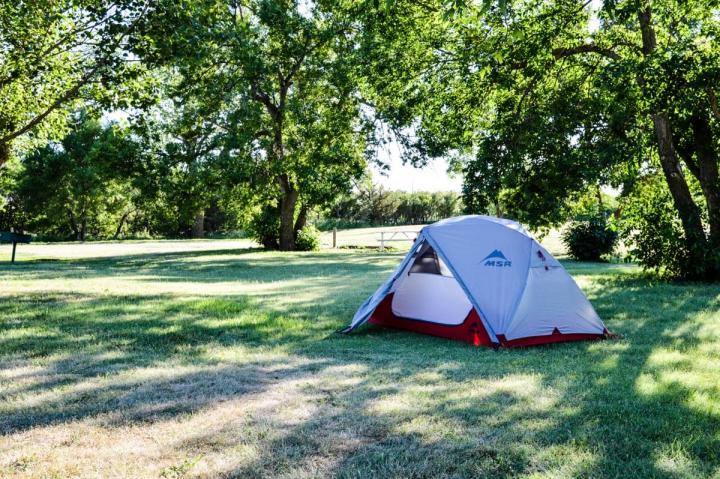 Günstige Übernachtungsmöglichkeit auf dem Roadtrip Das Zelt