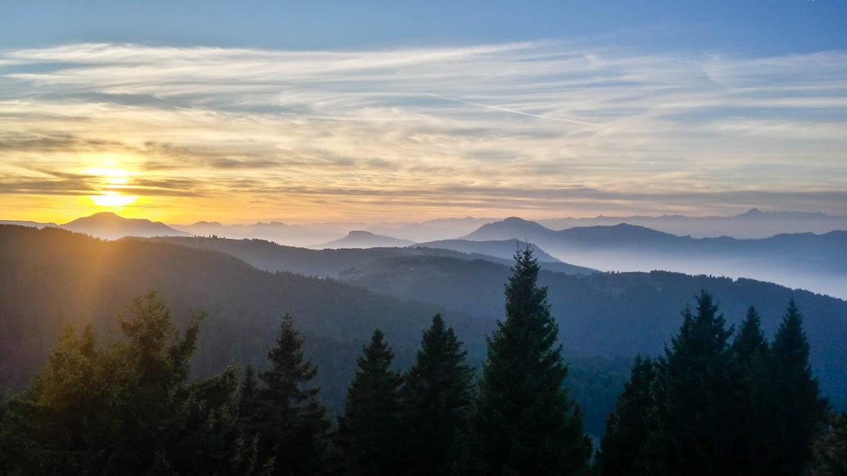 Trentino im Herbst Wandern im Bärental Valle Orsara Sonnenuntergang mit Blick auf die Dolomiten