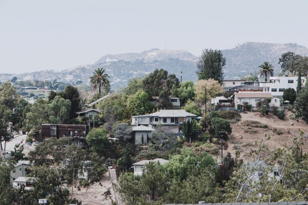 Silver Lake Los Angeles Wohnviertel mit Blick aufs Hollywood Sign