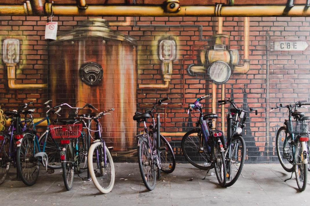 Köln Street Art Guide Fahrräder vor Mural