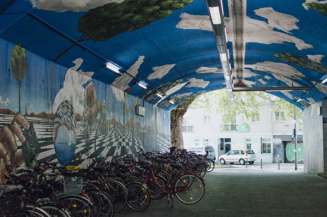 Köln Street Art Guide bemalter Bahntunnel Mural