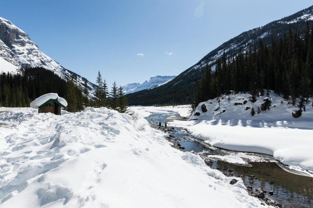 Winterurlaub in Kanada Icefields Parkway Fluss