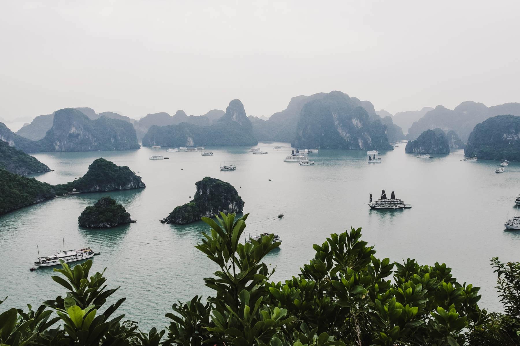 Die Halong-Bucht ist eines der beliebtesten Touristenziele in Vietnam. Foto Anna Röttgers