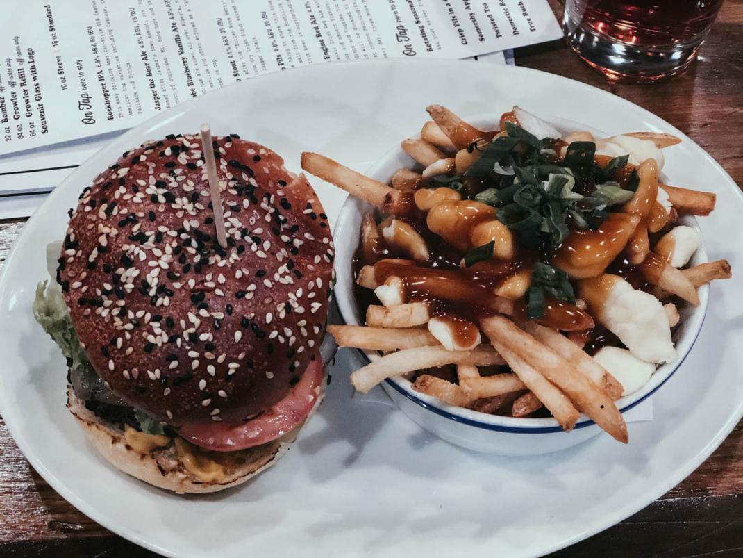 Das kostet der Skiurlaub in Kanada Essen, Burger