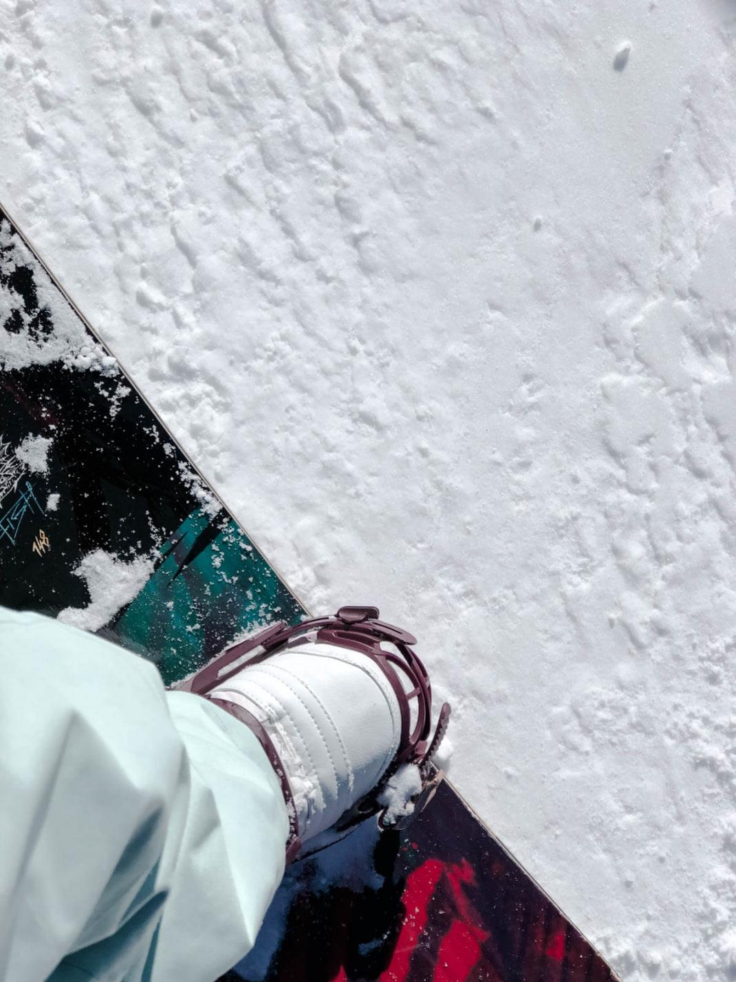 Das kostet der Skiurlaub in Kanada Snowboard mit Boots und Bindung