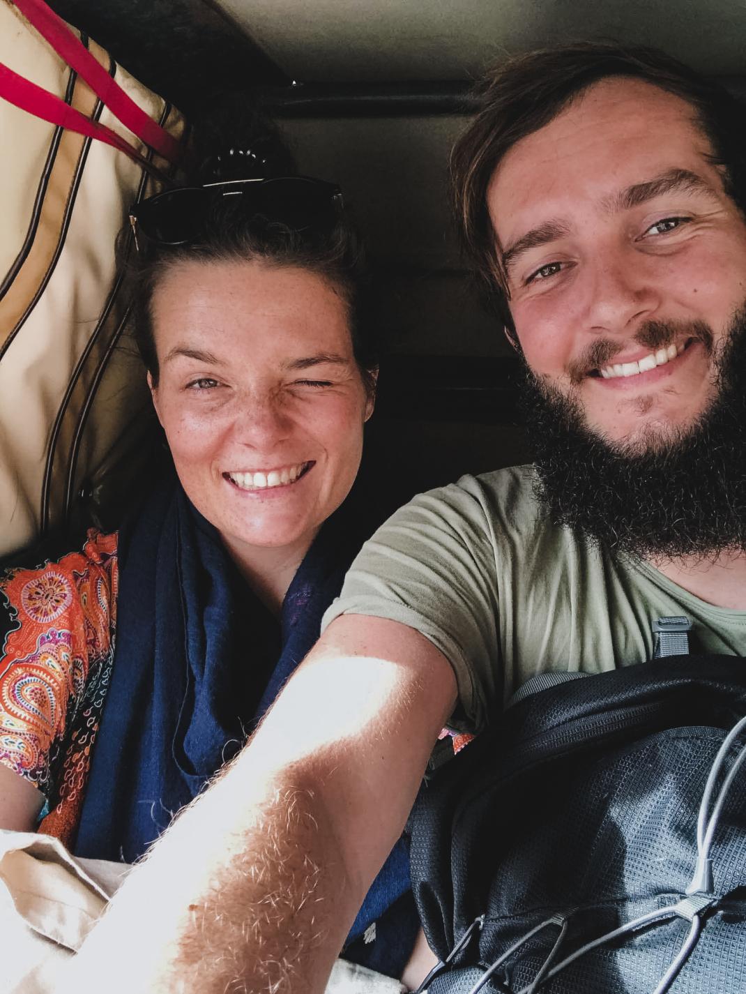 Backpacking in Pakistan: Backpacker-Selfie in der Rikscha